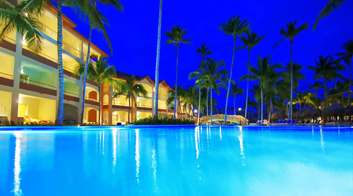 Majestic-Resorts.com Dominican Republic   by Batle Group: Mar Hotels, Majestic-Resorts & Lively