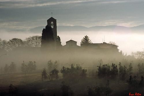 morning autumn colour fog sunrise alba hill tuscany chianti firenze toscana nebbia autunno colline mattino sancascianovaldipesa justpentax pentaxiani pentaxart enzorettori rettorienzo