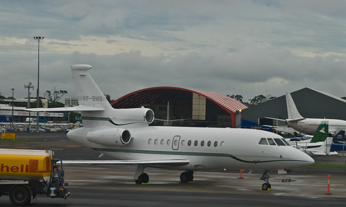 Dassault Falcon 900 VP-BMS, Auckland, 16 April 2008