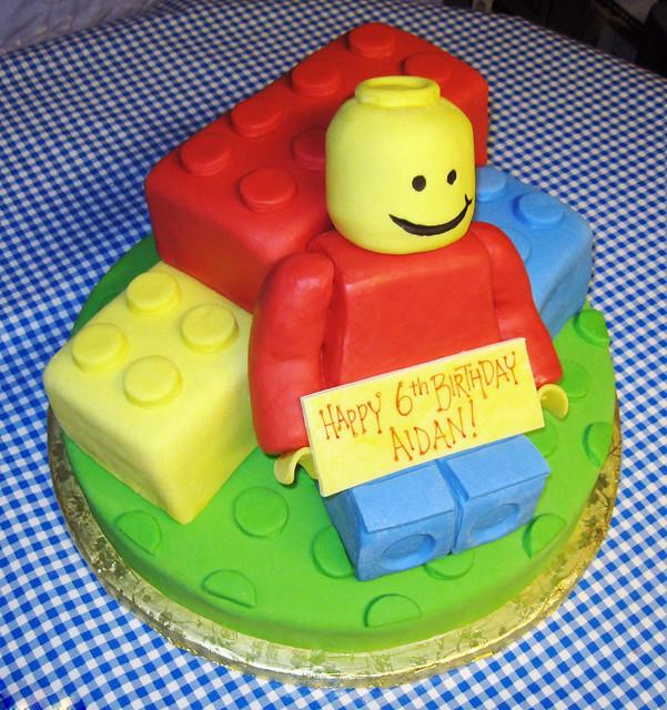 Lego Birthday Cake | Chocolate Lego cake with rice-krispy tr… | Flickr