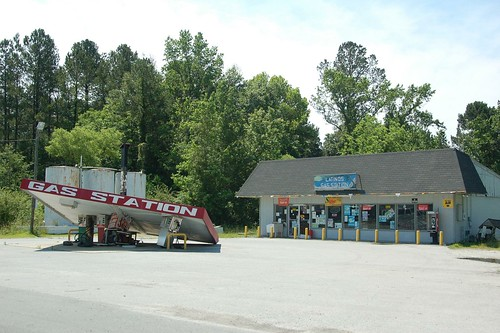 Chinquapin Gas Station 6 | by Rob Bellinger