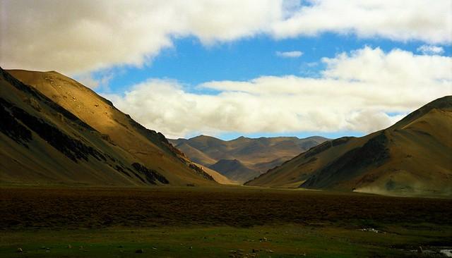 Tingri territory