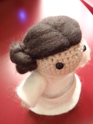 Toy Art Princess Leia – Geek Crochet by Crochelandia | 400x300