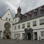 Rathaus e Jesuitenkirche