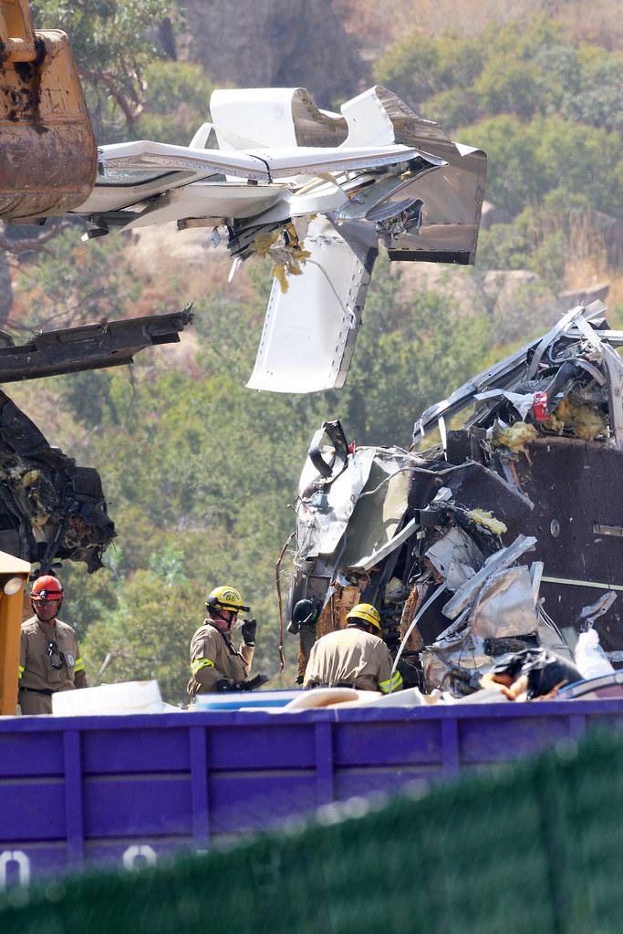 Chatsworth California Metrolink Train Crash | Los Angeles ...  |Chatsworth Train Wreck California