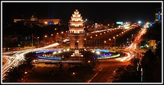 Phnom Penh independence monument 137/365 07/01/2009 | by quartje