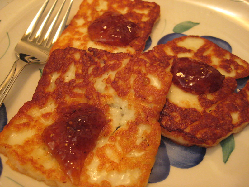 Halloumi Snack topped with Fig Jam!