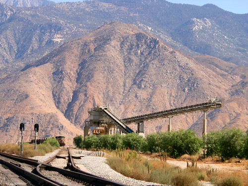 california digital train canon eos rebel sand mine open pass tracks pit robertsons hopper gravel banning cabazon sangorgonio sangorgoniopass xti openhopper robertsonsreadymix rrmx1033