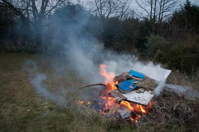 imgp7928 - Declutter001 - Bonfire