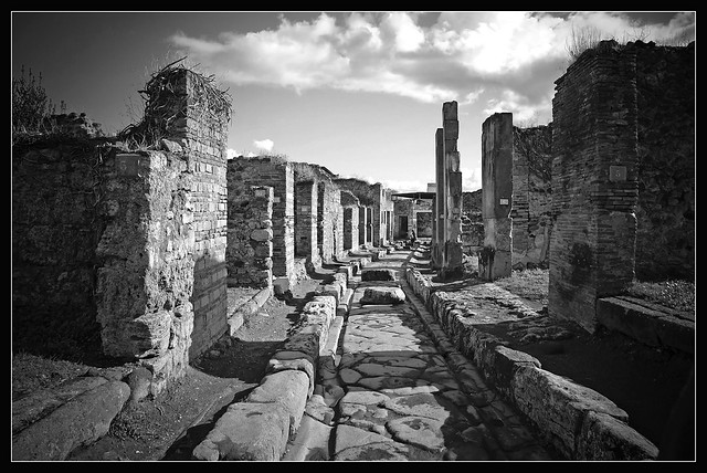 The streets of Pompeii (4)