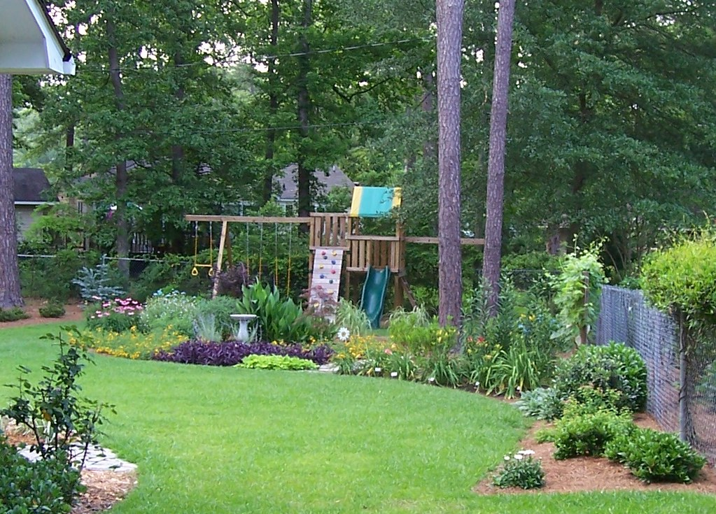 Backyard Makeover - after - 2008 | Check out the before ...