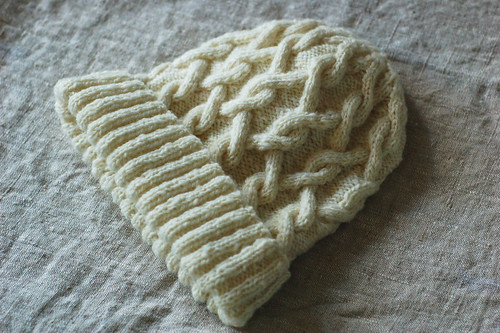 Cormo Cabled Hat | by helloyarn