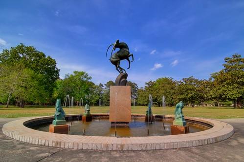 sculpture art sc water fountain gardens landscape tripod southcarolina hdr gitzo murrellsinlet brookgreengardens photomatix 4exposure marshallmfredericks arcatech tokinaatx116prodx gt2531