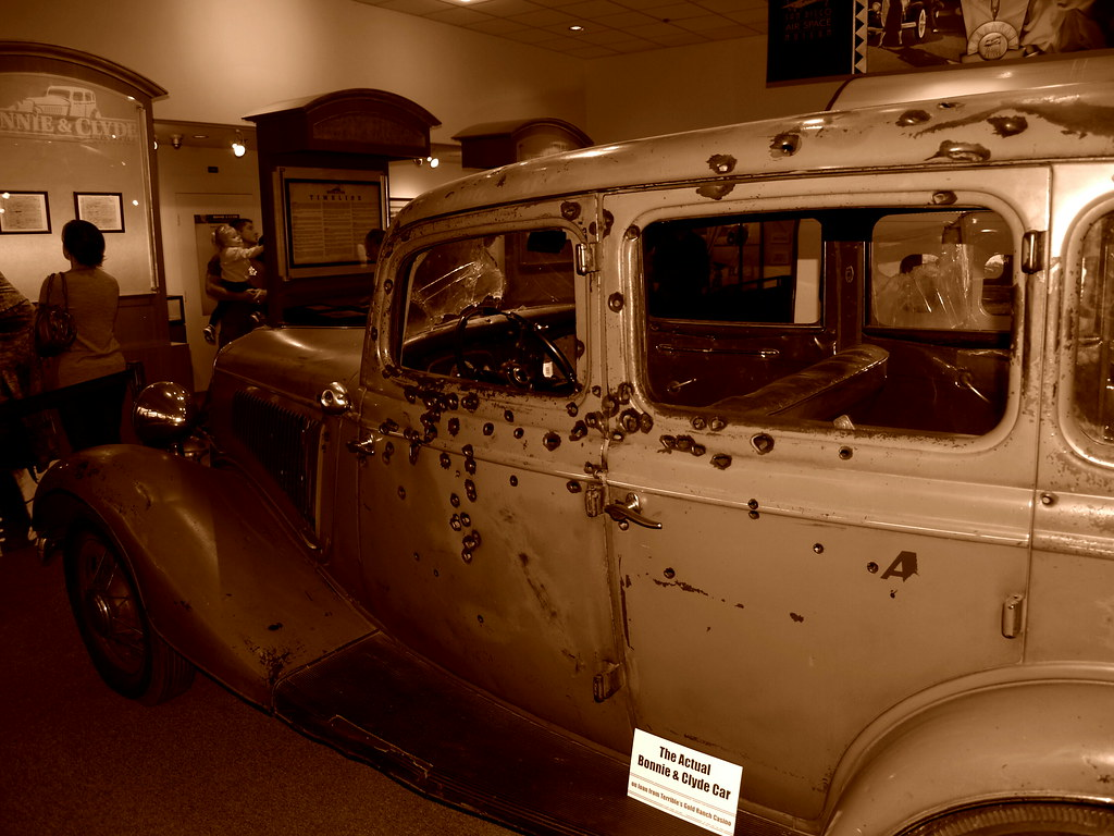 Bonnie and Clyde 1934 Ford Fordor Deluxe Sedan 'The Death … | Flickr