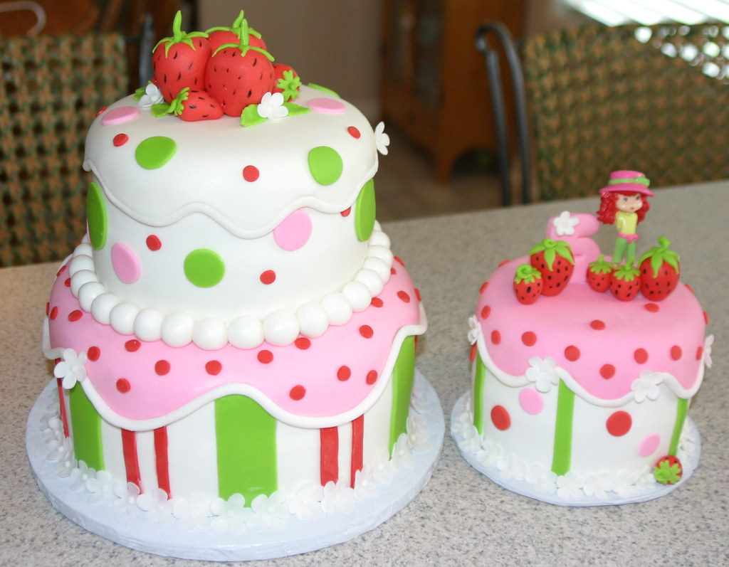 Pleasant Strawberry Shortcake Birthday Cakes Both Of The Cakes Personalised Birthday Cards Cominlily Jamesorg