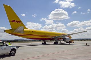 DHL Boeing 757-236/F D-ALEE