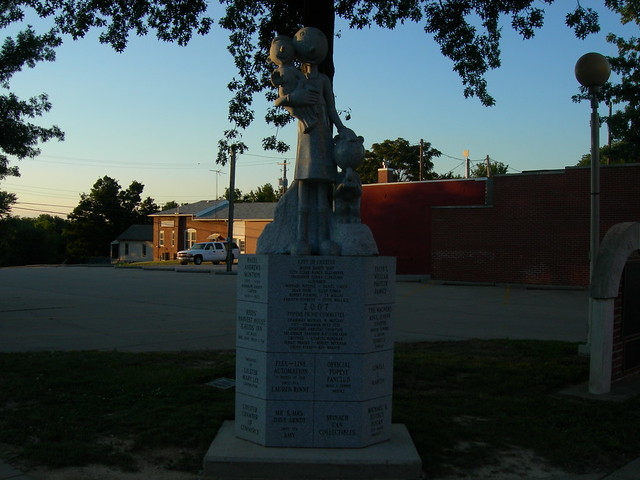 Olive Oyl Statue