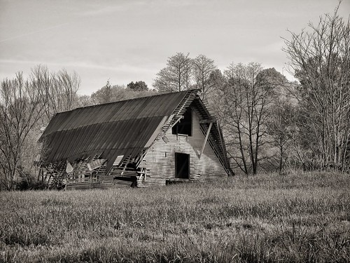 old bw barn rust nashville decay tennessee rustic aged crumbling leipersfork canons5is redynamix photoshopcs4