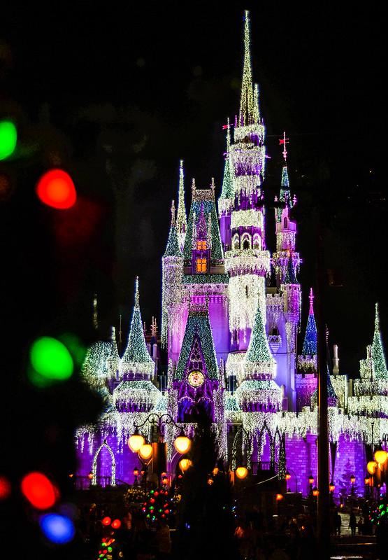Castle wreath lights