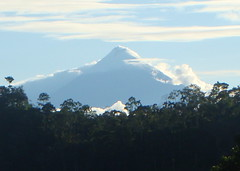 We finally got a clear view of a volcano (Volcan Sangay)