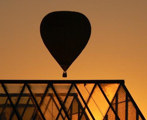 Air traffic. Greenhouse. Sunset.
