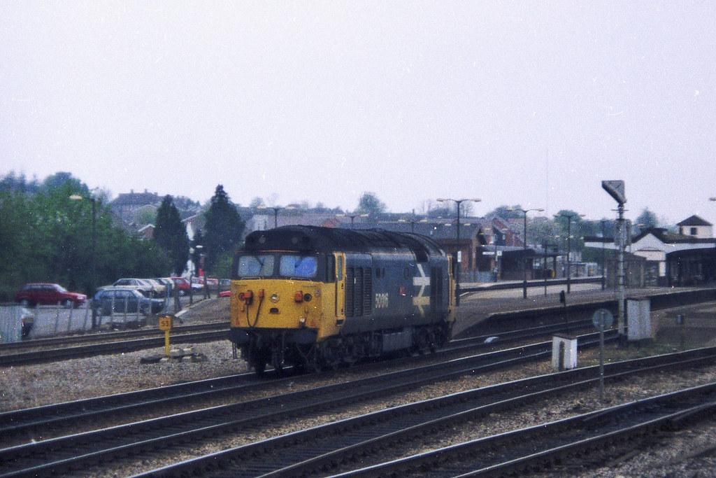 "Class 50 50016 ""Barham"" passing through Didcot light engine"