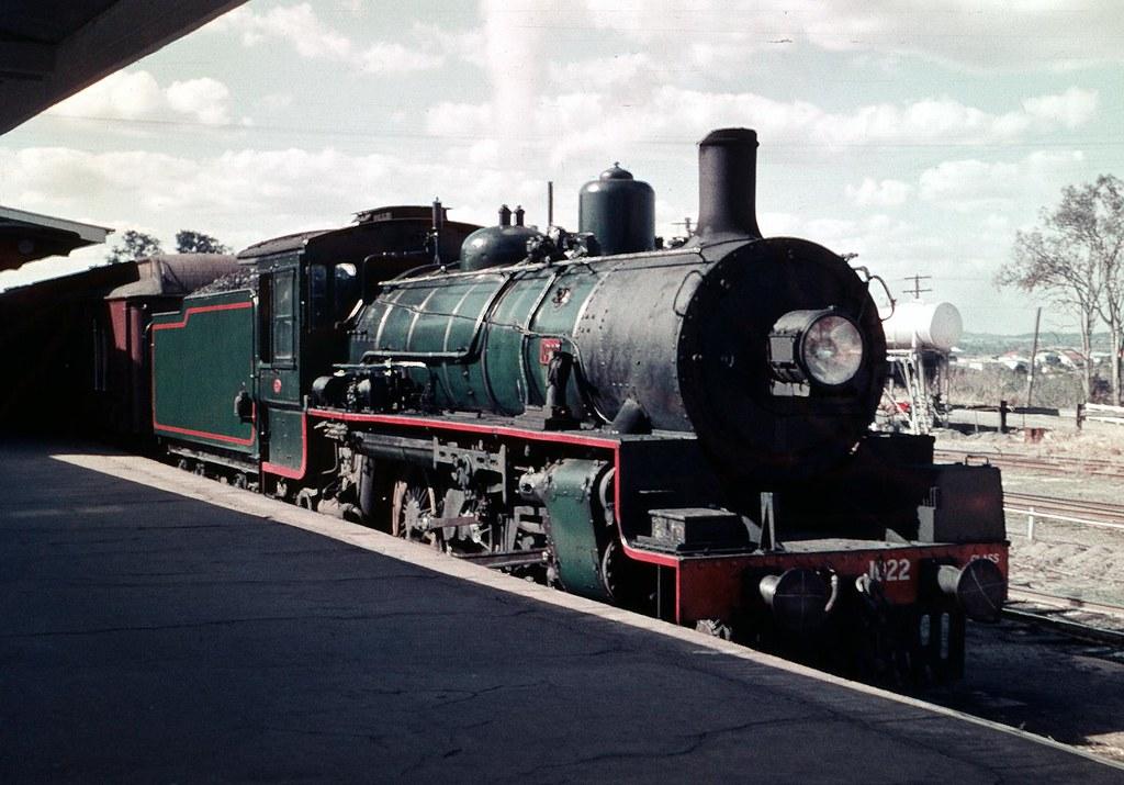 BB18 waits at the platform by Leonard J Matthews