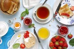 Breakfast with strawberry jams   by Thorsten (TK)