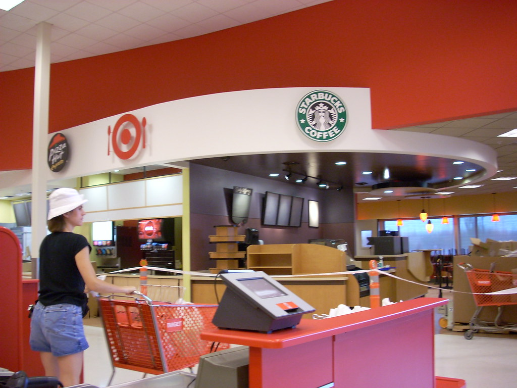 New Target Eateries Target 1103 148252 Square Feet 121