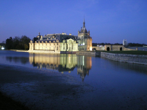 Chantilly Castle by night - France (Chantilly)   by romainmo