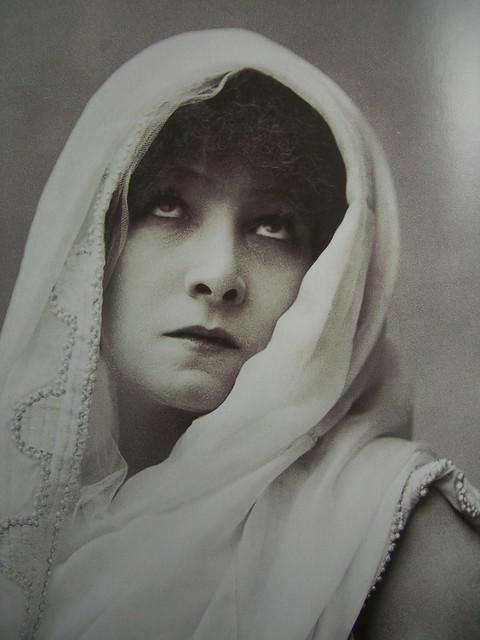 Sarah Bernhardt dans Phèdre (1893) par Nadar
