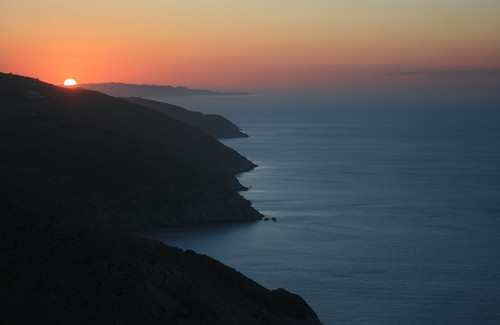 Folegandros sunset | by Navin75
