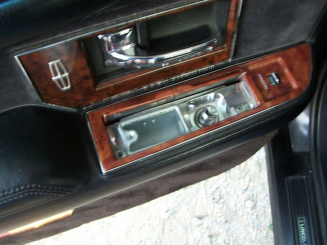 People Nowadays Have No Idea of These Auto Features in Old Cars. Do You Remember?