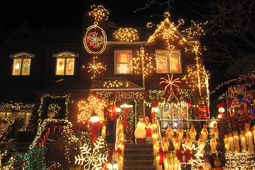 NYC - Brooklyn - Dyker Heights: Christmas Lights 2008 | by wallyg
