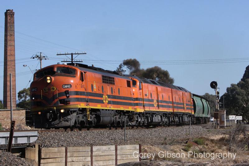 GM42, CLP17 & CLP8 run through Stawell by Corey Gibson