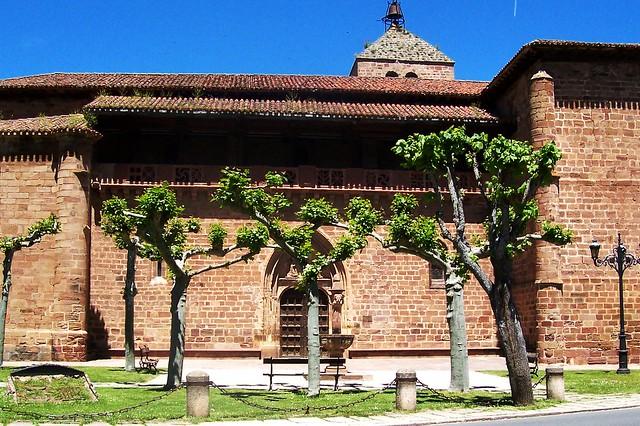 Iglesia de Santa María la Mayor (Ezcaray, La Rioja, España, 6-6-2004)