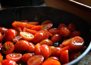 Roasting Tomatoes for my TLT | by .Delight