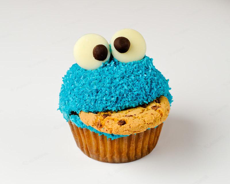 Cookie Monster Cupcake 1