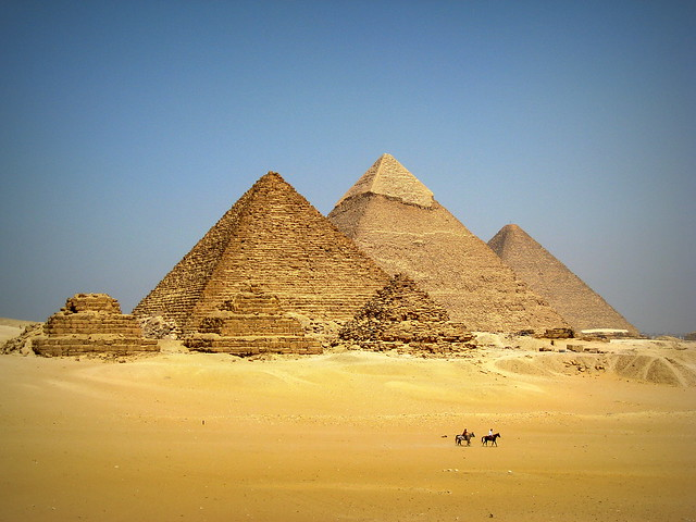 #PyramidsOfGiza / #LowerEgypt