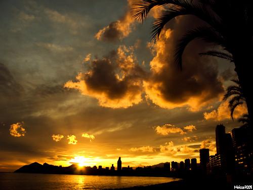 sunset sun sol clouds nubes puestadesol benidorm núvols postadesol espectáculo espectacle capvespre