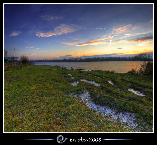 trees sunset panorama lake ice water grass clouds photoshop canon rebel belgium belgique tripod belgië sigma tips surfboard remote 1020mm erlend hdr mechelen cs3 3xp photomatix deput tonemapped tonemapping xti 400d vertorama erroba deplas robaye erlendrobaye vosplusbellesphotos egelegemvijver