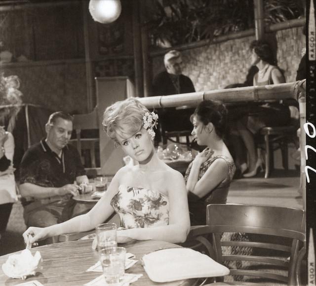 Cricket Blake in the Shell Bar - Hawaiian Eye, 1963
