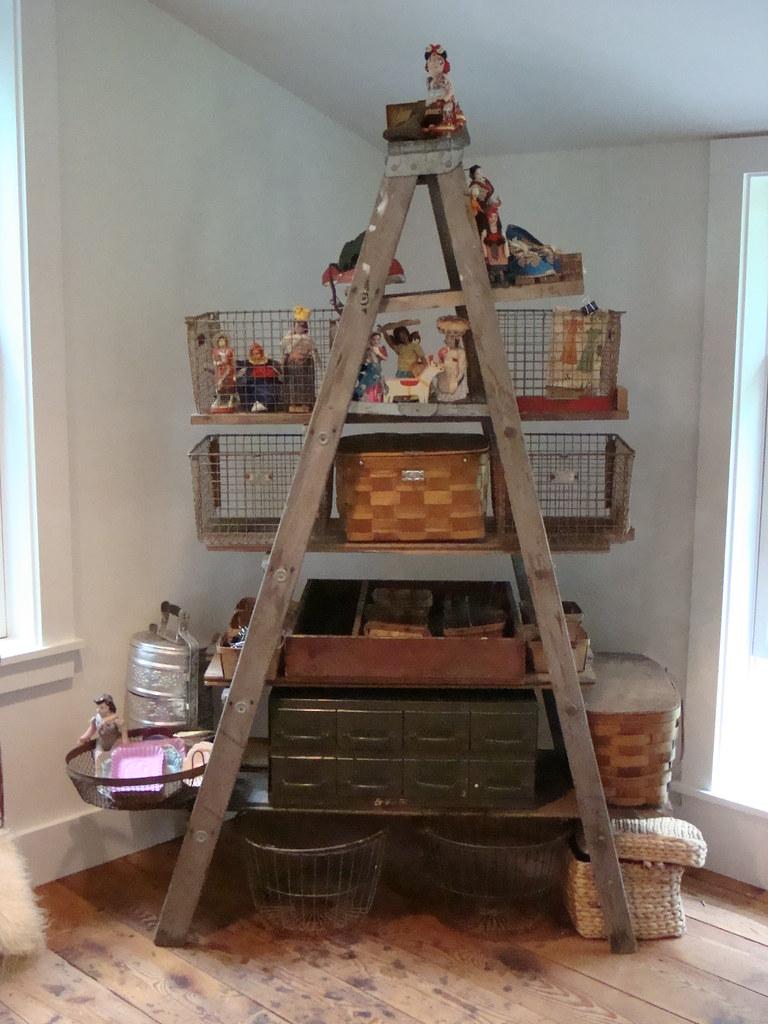 Diy Ladder Shelves Blogged At Mayamade Blogspot Com 2008 0