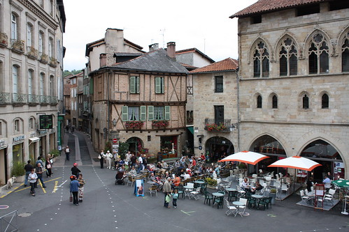 The square in Figeac | by laser2k