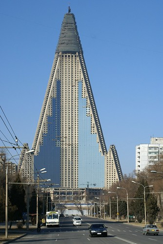 Putting glass on Ryugyong Hotel, Pyongyang | by Moravius