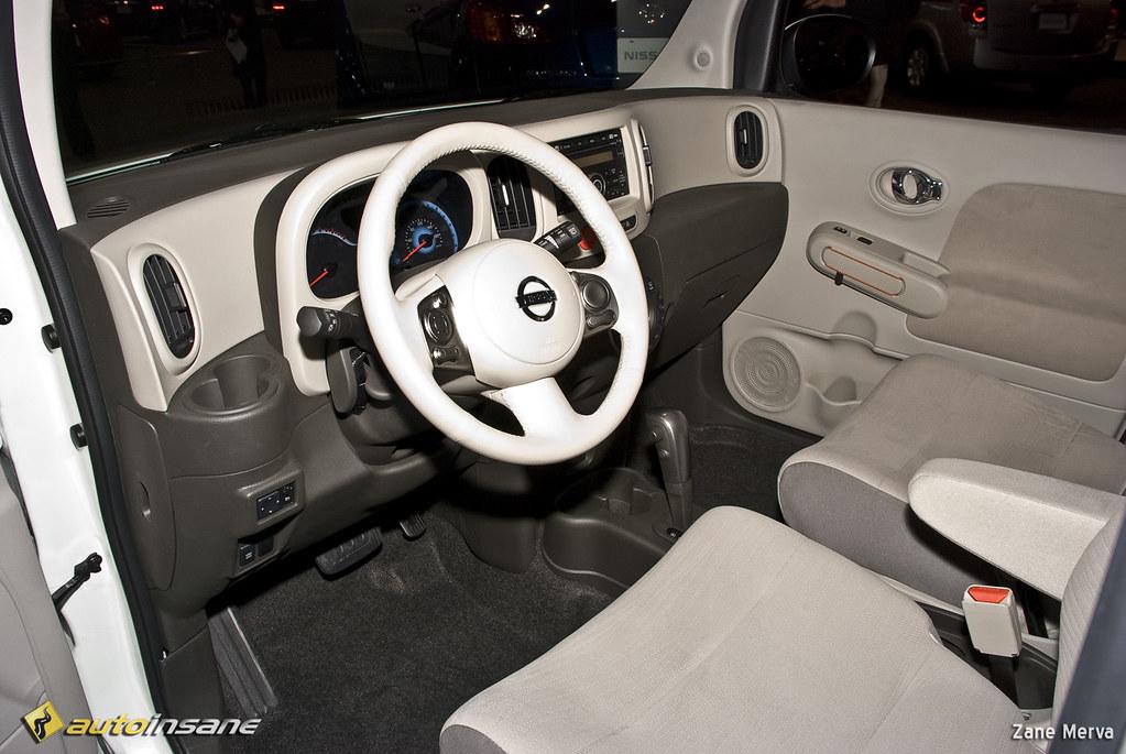 2008 NE Auto Show: Nissan Cube Interior | Nissan displays th