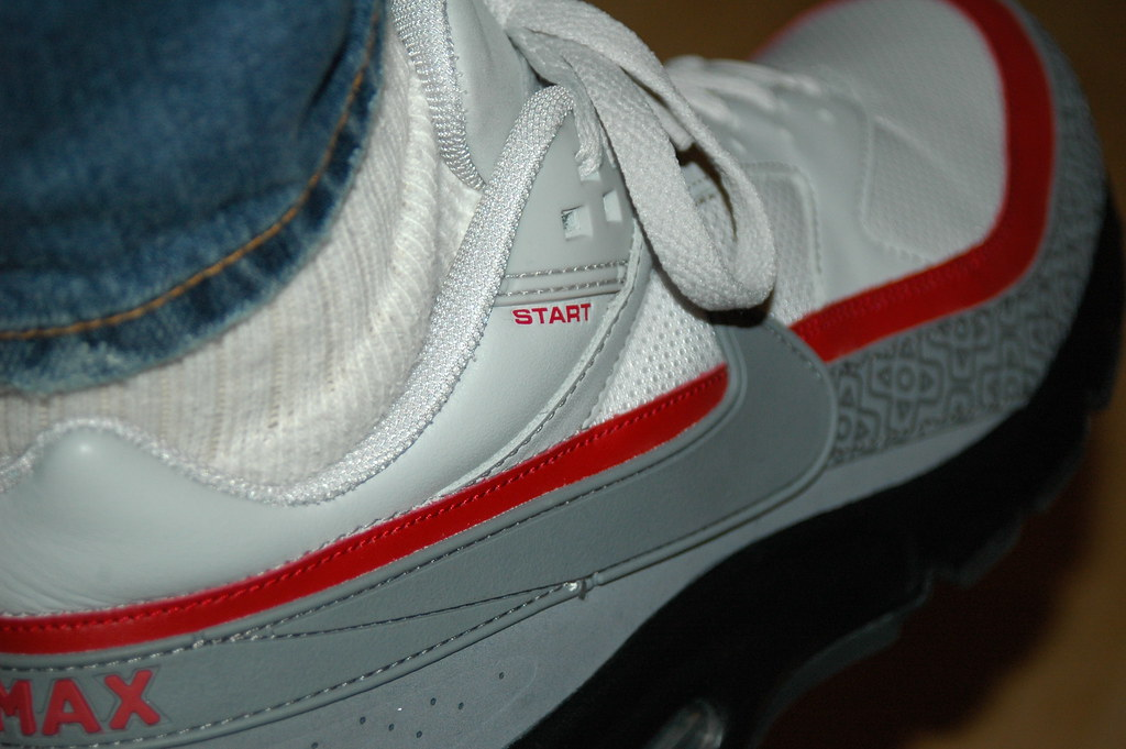 get cheap buying new low priced Nike Air Max BW Nintendo 8-Bit NES Special | The colorscheme ...
