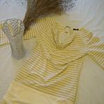 日单条纹长T恤金色纹