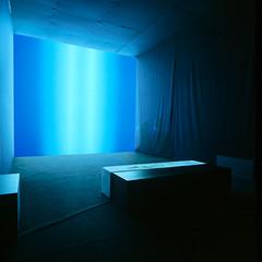 Curatoren Edwin Carels en Pieter Van Bogaert stellen een dubbele tentoonstelling samen rond videokunst en tactiele media.