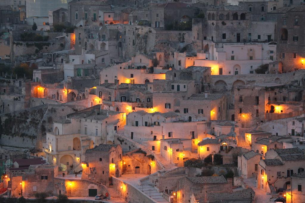 Magie di luci sui Sassi di Matera | Basilicata Turistica | Flickr